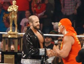 Hogan_congratulates_Cesaro